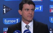 """Valls montre les élus du doigt, Ayrault veut s'attaquer """"à la racine du mal"""""""