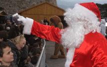Le Noël des enfants de l'école Loviconi à la patinoire de Calvi