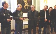 La médaille de la ville de Calvi pour Jean-Pierre Costa et Cédric  Therin