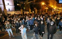 """VIDEO - A Ajaccio les petits commerçants manifestent """"pour ne pas mourir"""""""