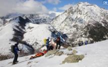 EN IMAGES - Au cœur d'un grand exercice de secours en avalanche avec le PGHM de Corse
