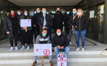 Bastia : les assistants d'éducation dans la rue