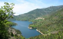 Le barrage de Tolla en état de crue