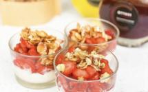 A table : Verrines de fraises corses marinées avec... la Petite Cuisine de Marie