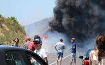 Un autocar prend feu à Urtaca