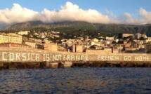 Bastia : Un tag géant vite effacé au Vieux-Port