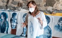 Les estampes d'Olivia Paroldi, s'affichent dans les rues  de Calvi
