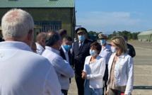 Pollution au large de la côte orientale : deux ministres sur place et une enquête ouverte