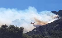 Lumiu : le feu continue de se propager, 6 à 7 hectares ravagés