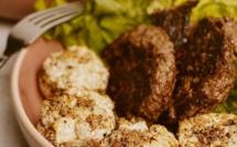 A table : Champignons farcis au Boursin, noisettes concassées et parmesan avec la #lapetitecuisinedemarie