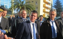 """Manuel Valls : """"Personne ne discutera sous la menace de je ne sais quelle bombe !"""""""