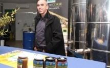 Le groupe Carrefour soutient la filière du miel de Corse
