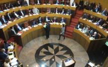 Tempête politique autour de la compagnie régionale et un vote à l'arraché