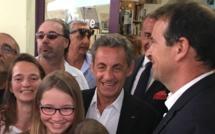 Nicolas Sarkozy : Séance de dédicace sur un air de campagne à Ajaccio
